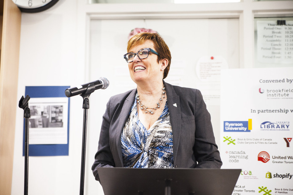 Minister Eleanor McMahon, President of the Treasury Board and Ontario Minister Responsible for Digital Government, presenting at the Digital Literacy + Coding Pilot announcement. (Photo Credit: Brandon Chu) (CNW Group/Brookfield Institute for Innovation + Entrepreneurship)