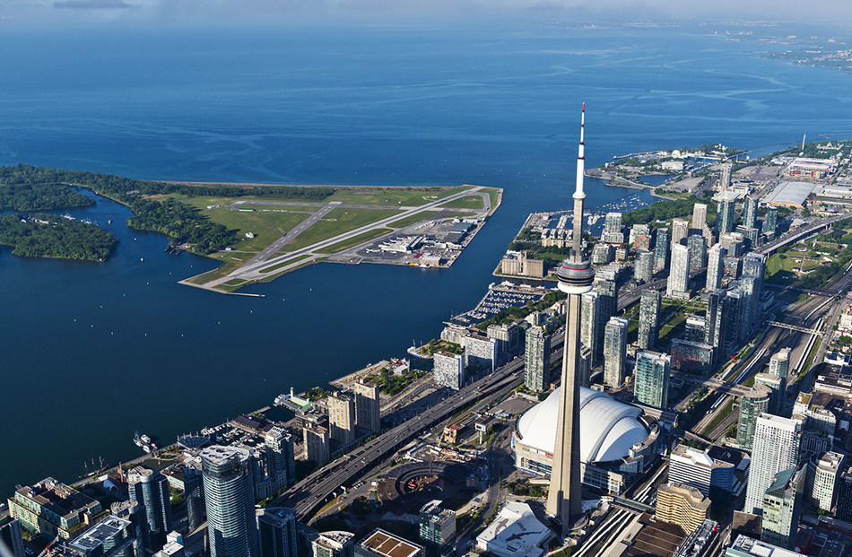 Earlier today, Billy Bishop Toronto City Airport was voted as having one of the top ten Most Scenic Airport Landings in the world for the fourth consecutive year in a global poll by Private Fly. (CNW Group/PortsToronto)