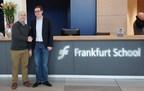 Jason French, vice-président de Team HYCON et le Dr Philip Sandner du Frankfurt School Blockchain Center (FSBC) (PRNewsfoto/GLOSFER)