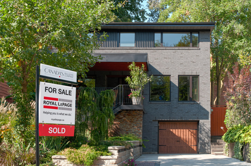 Median Canadian Home Price Posts 6.2% Year-Over-Year Gain Despite Corrections in GTA and Greater Vancouver (CNW Group/Royal LePage Real Estate Services)