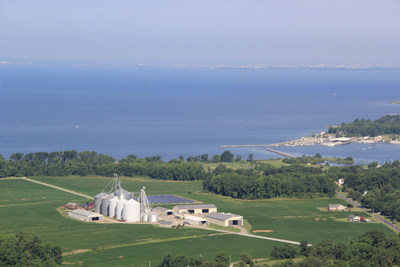 Harborview Farms, a 4th generation family operation, produces corn, soybeans and wheat in a responsible and sustainable manner on the shores of the Chesapeake Bay. Harborview was recently named a Bayer ForwardFarm.