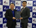Theng Hui Low, Director of Asia Pacific for FlightAware with Mr. Kittisak Sudtachart, Director of Operations Control Center for Bangkok Airways .