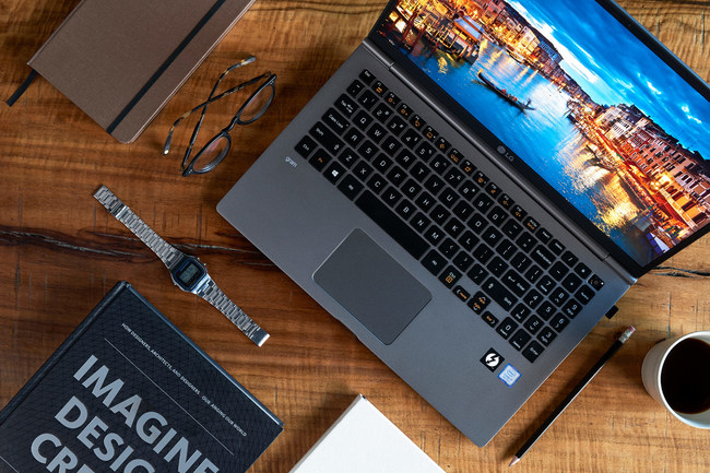 LG Brings Extensive Library of Educational Content to Business Professionals Through LG gram Lounge