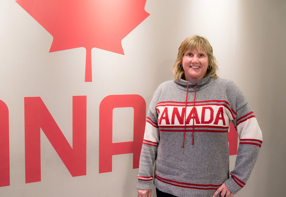 """One can change limits: """"When my brother had his leg amputated, he focused on what he can do. And with help from the Canadian Paralympic Committee he's won 2 medals at the Paralympic Games,"""" Gaylynne Bergen, One for Change champion, Banking Centre Leader, Winnipeg, CIBC (CNW Group/CIBC)"""