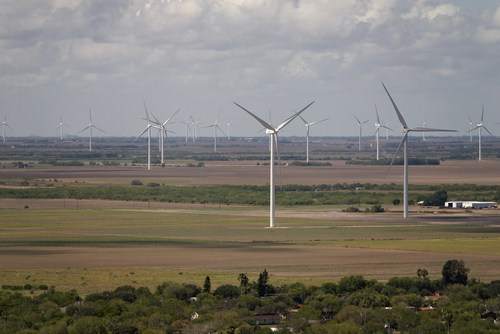 E.ON opened its 22nd wind project in the US. The 228 megawatt Bruenning's Breeze Wind Farm is located in Willacy County, Texas.