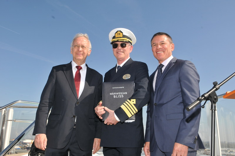 Bernard Meyer, Managing Director of Meyer Werft, Captain Karl Staffan Bengtsson, Andy Stuart, President and Chief Executive Officer of Norwegian Cruise Line (PRNewsfoto/Norwegian Cruise Line)