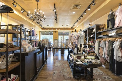 francesca's is expected to open at Huebner Oaks in early 2019 and will occupy 1,200 square feet. francesca's is a boutique that offers an eclectic mix of carefully-curated clothing, bright baubles, bold accessories, and playful gifts.