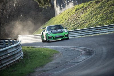 """New 911 GT3 RS sets a lap time of 6:56.4 minutes through the """"Green Hell"""""""