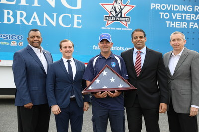 (Pictured left to right) Raymond Byrd, PepsiCo Senior Director, Fleet; Chris Petrakos, Children of Fallen Patriots Foundation Development Officer; Mike Bedell, PepsiCo driver for first leg of Rolling Remembrance relay route; Robert Moeller, Children of Fallen Patriots Foundation Vice President, Development; Shelby Green, PepsiCo Director, Fleet at Rolling Remembrance kick-off in Seattle, April 19