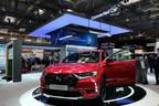 DS 7 CROSSBACK utilisant la technologie pour véhicule connecté de Huawei est lancé en Europe sur le stand d'exposition de Huawei à l'occasion du salon de HANOVRE de 2018. (PRNewsfoto/Huawei)