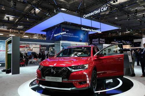 El modelo DS 7 CROSSBACK con la tecnología de Huawei para autos conectados debuta en Europa en el stand de Huawei dentro de la exposición HANNOVER MESSE 2018. (PRNewsfoto/Huawei)