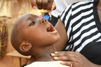 Kelly, five years old, is being vaccinated against polio during a mobile vaccination campaign in the village of Dibobly, in the West of Côte d'Ivoire. © UNICEF/UN061427/Dejongh (CNW Group/UNICEF Canada)