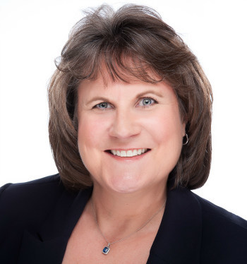 Headshot of Ms. Mary Ballin, recent recipient of certified divorce financial analyst designation, and certified financial planner. Ms. Ballin is a client advisor in the greater San Francisco Bay Area.