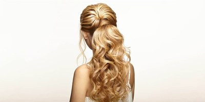 MAJESTIC HALF-UP HAIRSTYLE: Half-up prom hairstyle for long hair