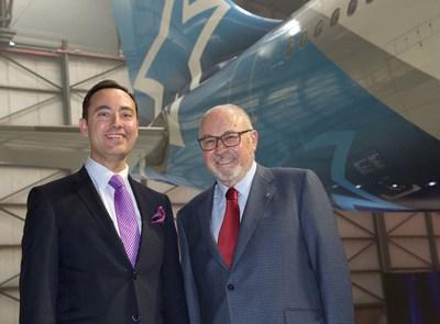 Jordi Solé, Président, Division hôtelière, Transat  et Jean-Marc Eustache, Président et chef de la direction, Transat (Groupe CNW/Transat A.T. Inc.)