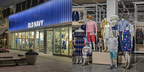 Old Navy Exterior and Interior Store Image (CNW Group/Old Navy)