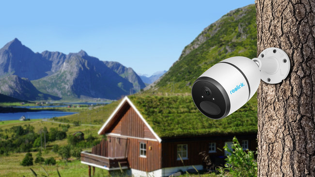Reolink Go Wire-Free 4G Rechargeable Battery-Powered & Solar-Powered Security Camera