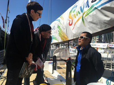 The ambassador crew introduced the Sanya boat to the American people