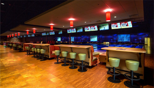 Our upscale lanes feature comfort seating, state-of-the-art scoring systems and lane-side service.