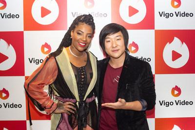 A Cantora Ludmilla e o mágico Pyong Lee juntos na festa do Vigo Video