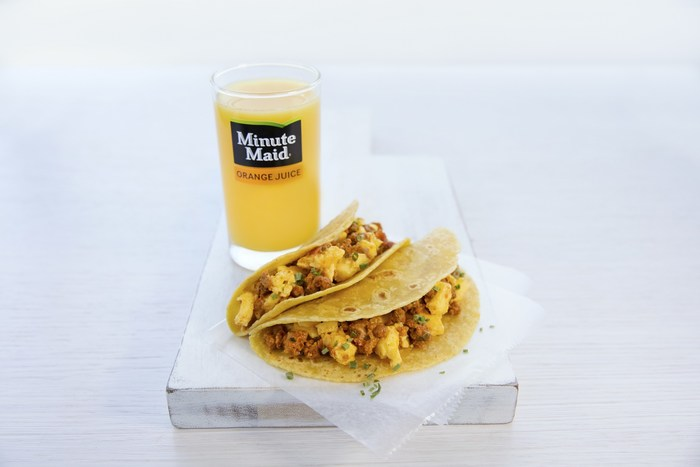 Now Boarding on United Airlines: Breakfast Tacos, Barbecue Sandwiches and More