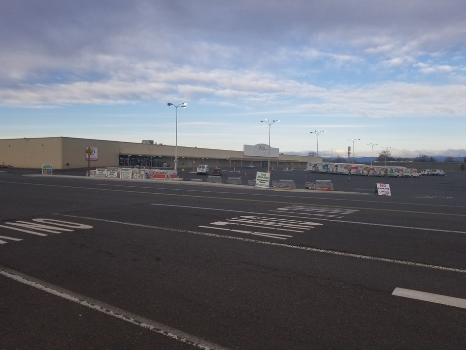 U-Haul® will soon be presenting a modern self-storage facility in southeast Yakima thanks to the recent acquisition of a former Kmart® at 2304 E. Nob Hill Blvd. U-Haul acquired the 116,702-square-foot building on March 8.