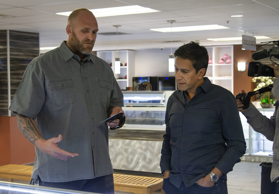 Kyle Turley, former NFL All-Pro, and Dr. Sanjay Gupta discuss the effects of high quality CBD and medical marijuana as a safe and healthy alternative to addictive opioids at Shango Las Vegas