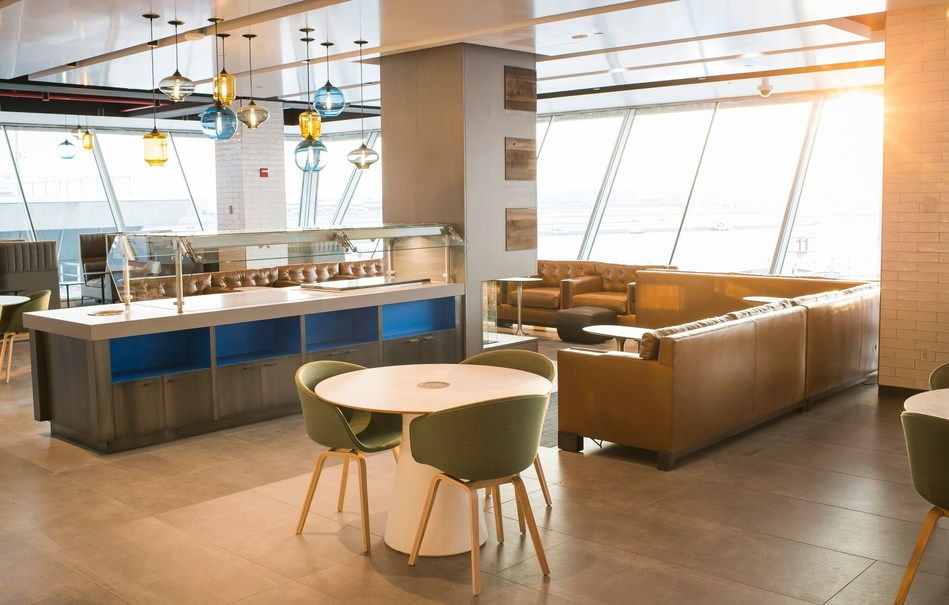 Alaska Airlines opens new airport lounge at New York\'s JFK