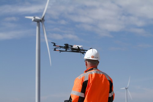 Ardenna's automated detection and classification software further enhances HUVRdata's enterprise industrial asset management platform for customers performing asset inspections across an array of industries, including wind turbine (shown). (PRNewsfoto/Ardenna-HUVR)