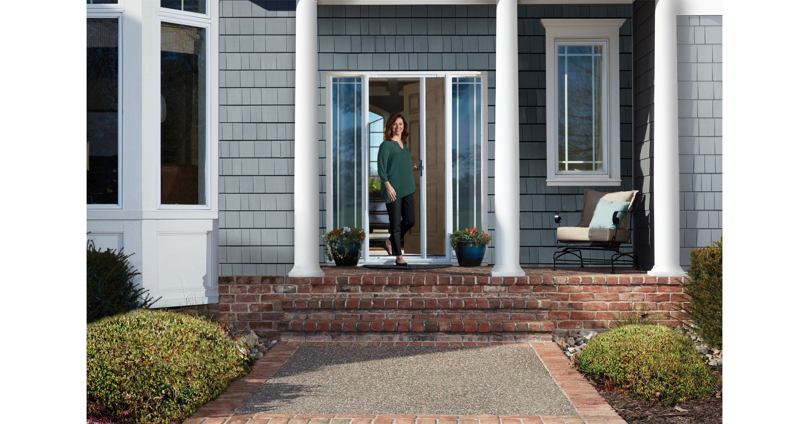 Andersen Introduces Luminaire Retractable Screen Door