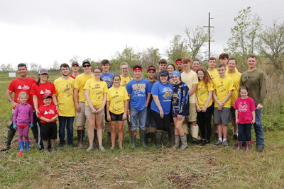 TeamCITGO volunteers and Sulphur High School fishing team members at the Cameron Prairie National Wildlife Refuge.