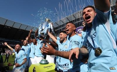 Nexen Tire celebra conquista do título de campeão da Premier League inglesa pelo Manchester City (PRNewsfoto/Nexen Tire)