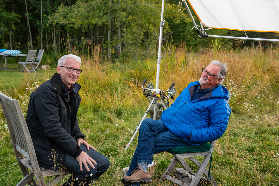 Thomas D. Mangelsen and Anderson Cooper filming in Wyoming.