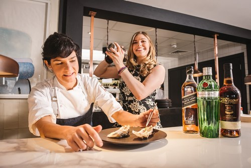 Leading chef, Manoella  Buffara and Diageo Global Cocktailian, Lauren Mote, celebrate the announcement of the exciting new partnership between Diageo and Taste Festivals. (PRNewsfoto/Diageo and Taste Festivals)