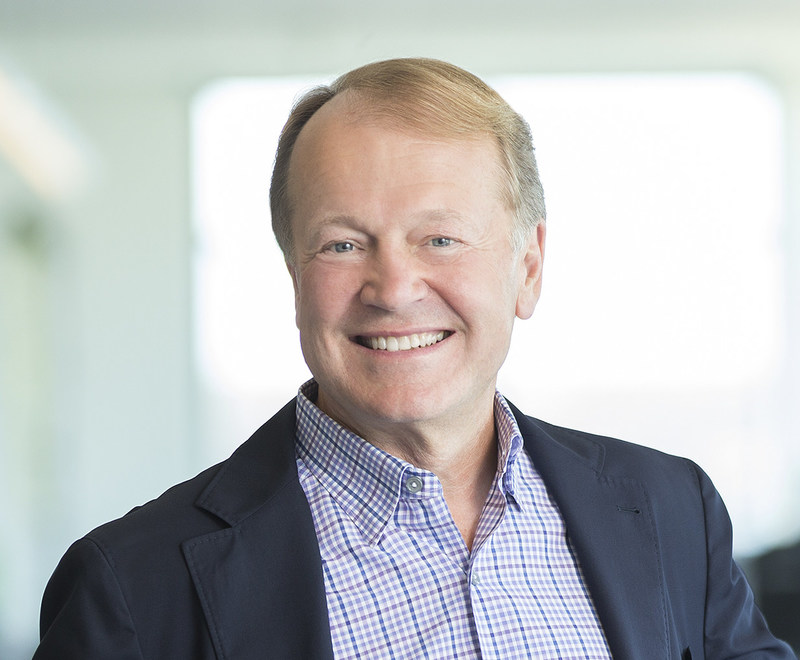 Former Cisco CEO John Chambers Joins Bloom Energy Board of ...