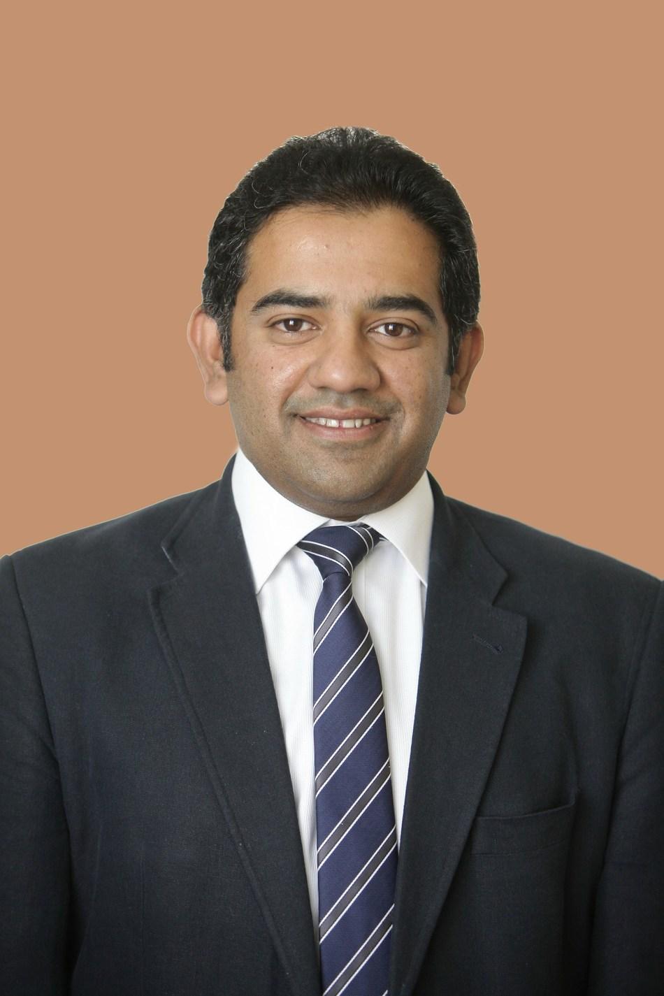Dr. Irfan Khan, Consultant Ophthalmologist with special interest in Paediatric eye conditions, Strabismus, Adult and Paediatric Cataract, Moorfields Eye Hospital Dubai (PRNewsfoto/Moorfields Eye Hospital Dubai)