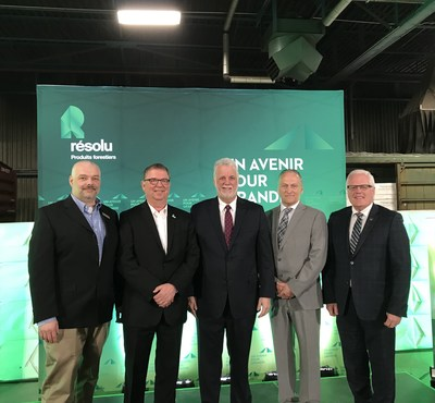 (from left to right): Jean Ménard, General Manager at Saint-Félicien pulp mill, Yves Laflamme, President and Chief Executive Officer at Resolute, Philippe Couillard, The Premier of Quebec, Luc Gibbons, Mayor of Saint-Félicien, and Serge Simard, member for Dubuc and Parliamentary assistant to the Premier for the Saguenay–Lac-Saint-Jean region (CNW Group/Resolute Forest Products Inc.)