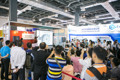 Medtec China 2017 Exhibitor Theater is full of visitors