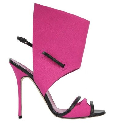 Suntaxa Shoe, 2013 Collection, Manolo Blahnik (CNW Group/Bata Shoe Museum)