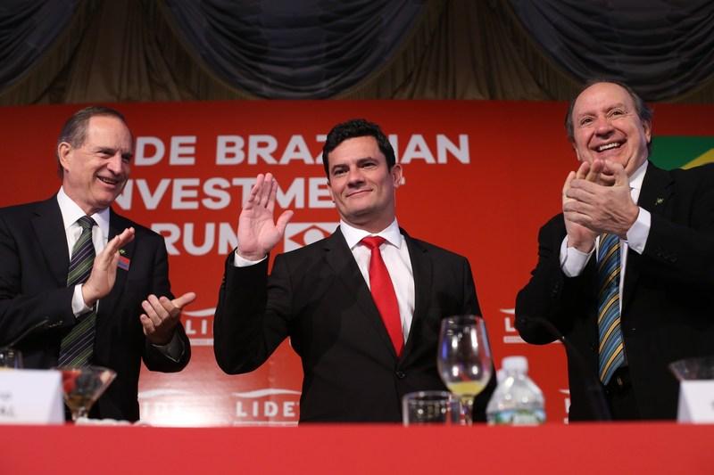 Luiz Fernando Furlan, chairman do LIDE; juiz federal Sérgio Moro; e Roberto Gianetti, vice-chairman do LIDE. (Crédito/Foto: William Volcov)