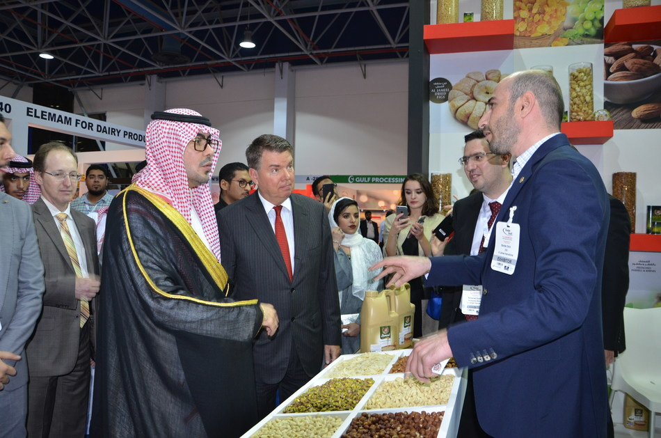 The previous edition of Saudi Arabia's leading international Food & Drink trade exhibition was inaugurated by HH Prince Abdullah Bin Saud Bin Mohammed Al Saud, Head of Tourism Committee at Jeddah Chamber of Commerce and His Excellency Mr. Matthias Mitman, General Consul of United States of America. (PRNewsfoto/Reed Sunaidi Exhibitions)