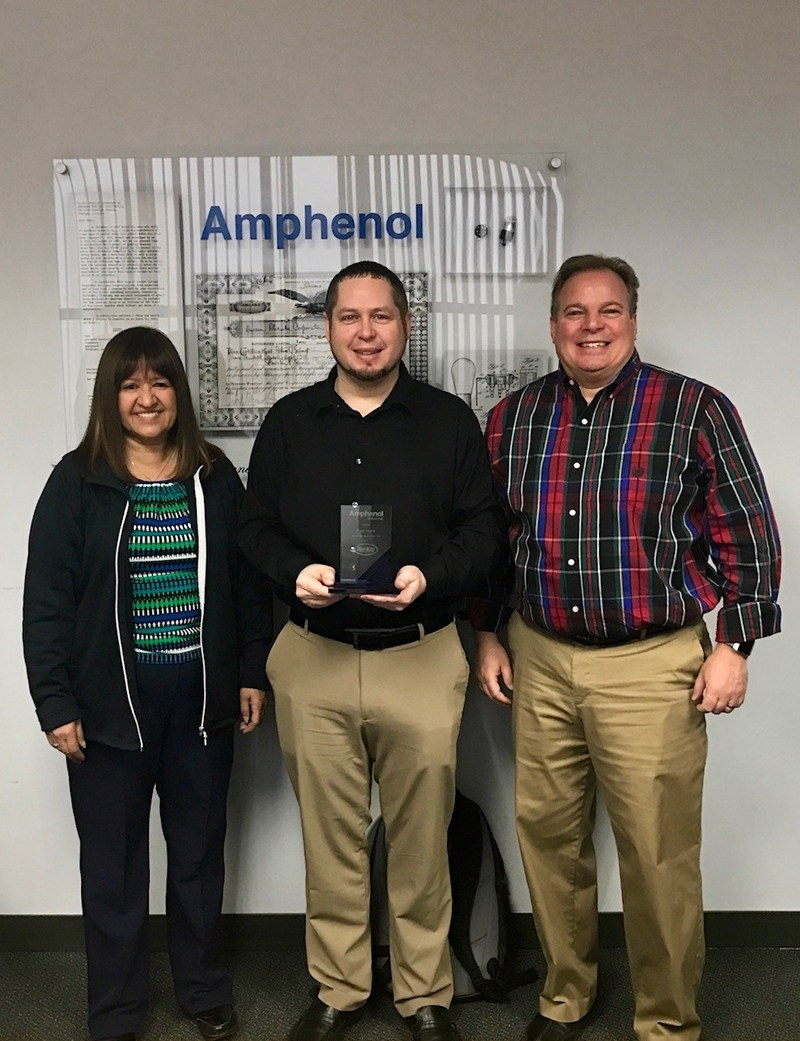 AIO Presents Paul Hejlik of Digi-Key with Product Manager of the Year, 2017