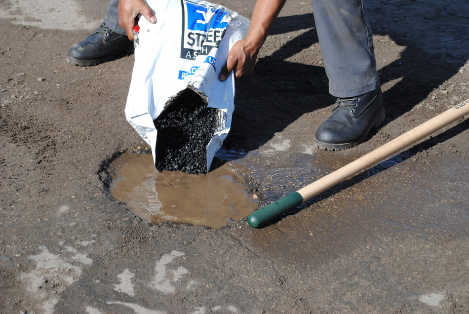 The polymer-modified formulation of this quick and easy-to-use asphalt product means it's always workable, repairs are immediately ready for traffic, and it even works in water.
