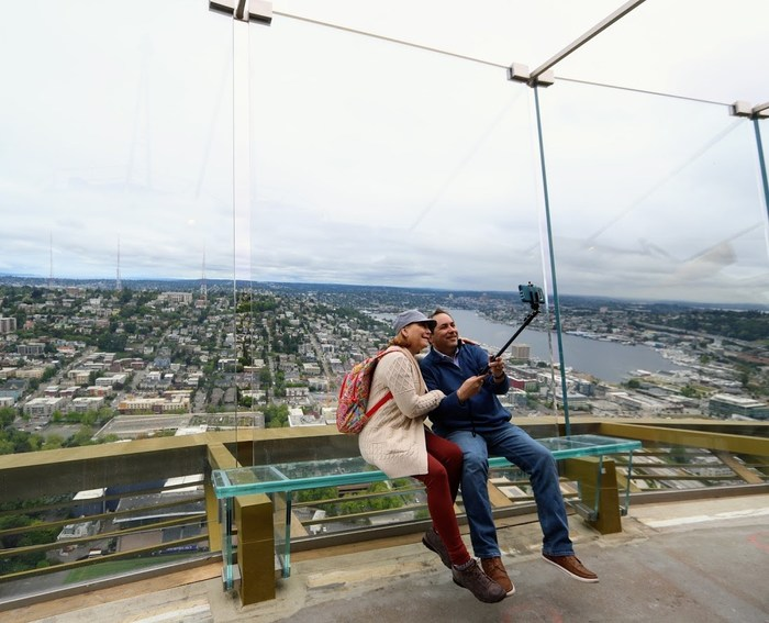 "The Space Needle Invites Guests to be Among the First to ""Float"" Over the Seattle Skyline on New Glass Benches called Skyrisers"