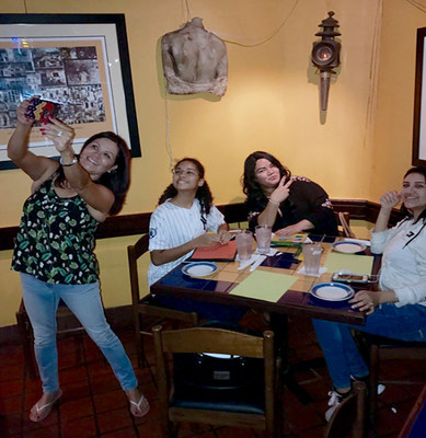 Injured veterans and family members dined on traditional Old San Juan cuisine and created their own art at a recent Wounded Warrior Project® event in the island's historic district, considered the artistic capital of Puerto Rico.