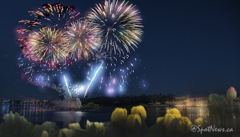 Canadian Tulip Festival fireworks celebrate a successful 10-day run! (CNW Group/Canadian Tulip Festival)