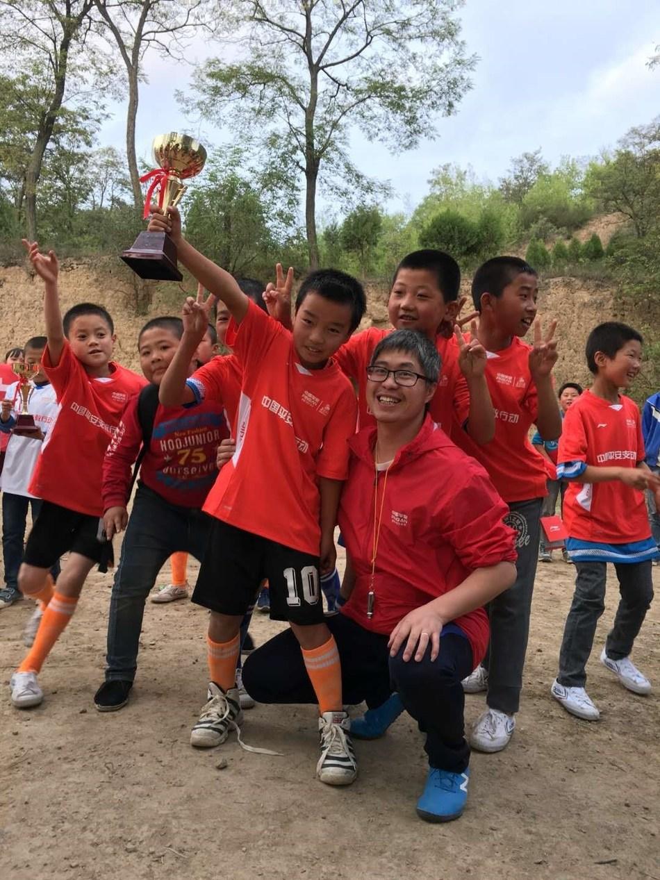 In 2016, Kallon in Gansu Tianshui Qinzhou District primary school education.