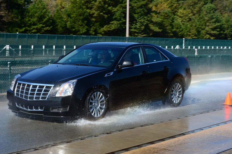 Results showed some worn tires delivered wet-braking distances that were better than those of certain new tires. (CNW Group/Michelin North America (Canada) Inc.)