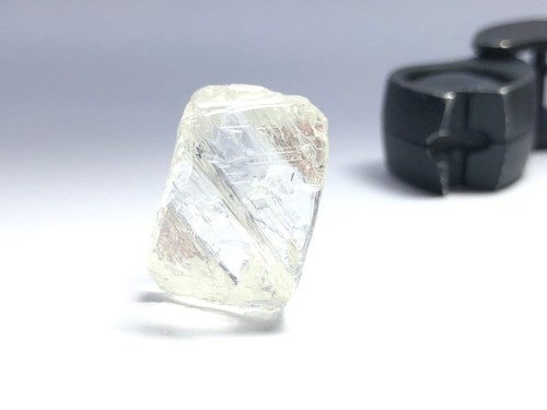 95.21 carat gem quality diamond (CNW Group/Mountain Province Diamonds Inc.)