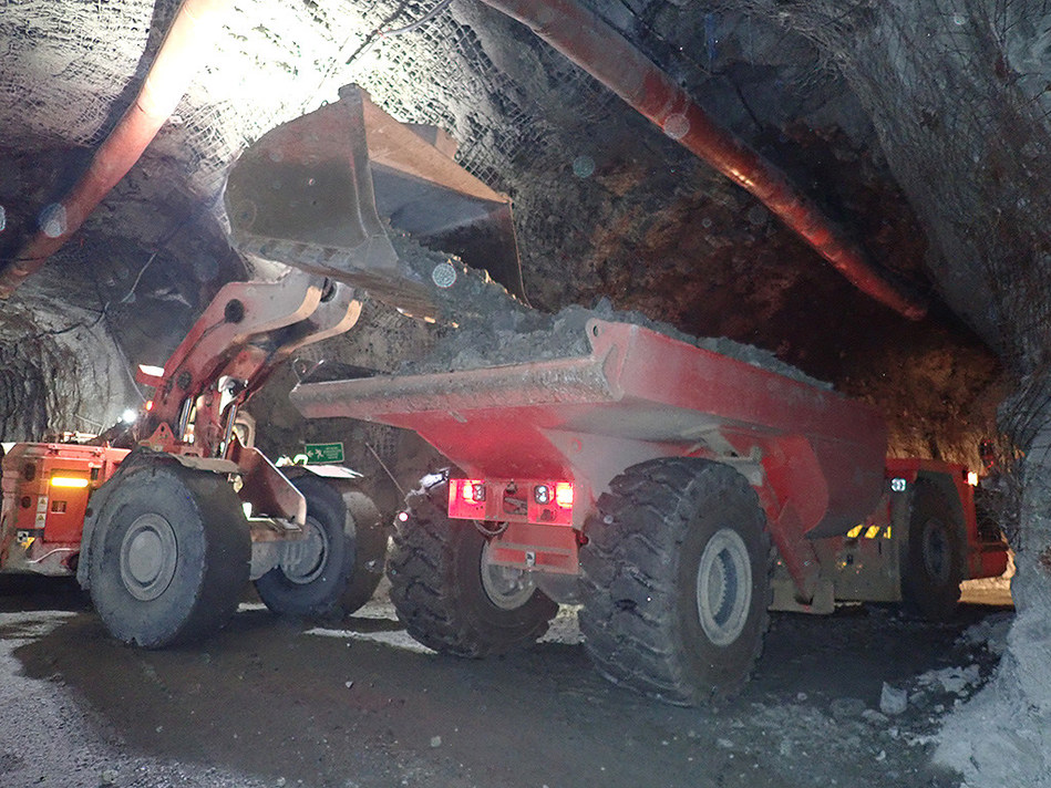 Photo 5: Underground Development (CNW Group/Continental Gold Inc.)